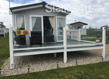 Sunflower Lodge Luxury Holiday Caravan Rental on Cormorant 4