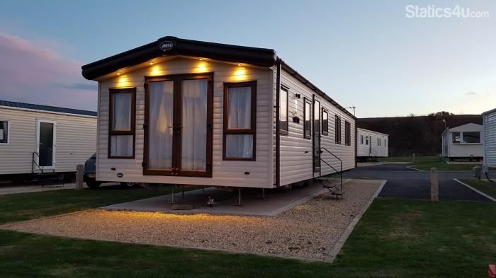 Excellent Luxury 6 Berth Caravan For Rent At Crimdon Dene Holiday Park
