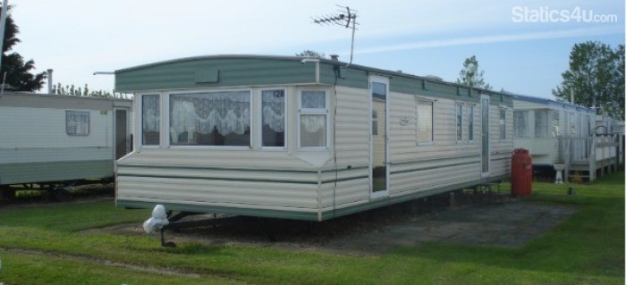 Wonderful Bed Dog Friendly Caravan For Hire In Ingoldmells